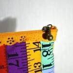 Trousse à fermeture dentelle 20cm
